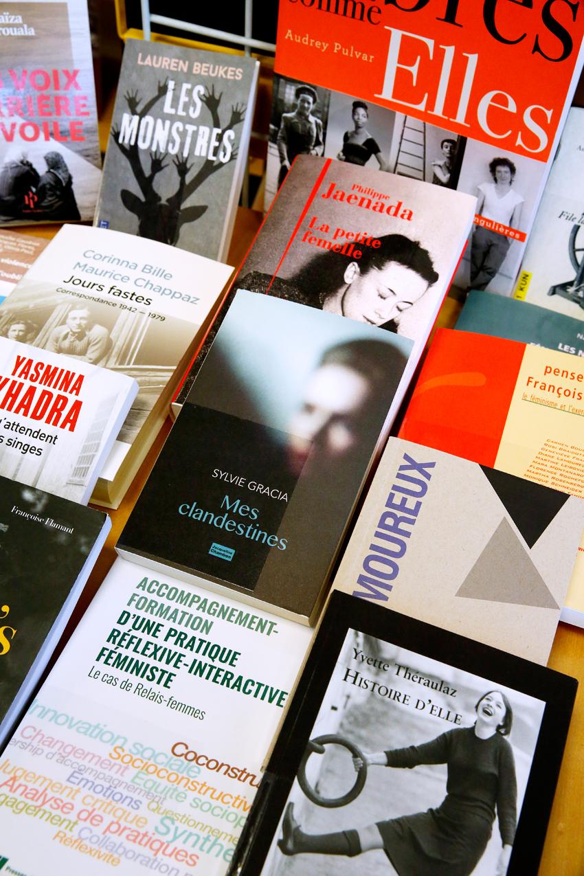 Bibliothèque f-information